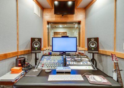 Mixing Room-min